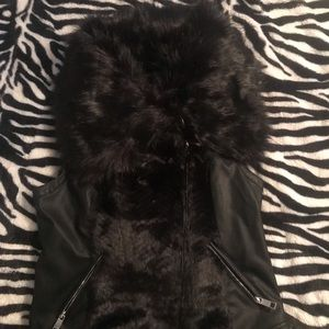 Guess Vest w/ Faux Fur